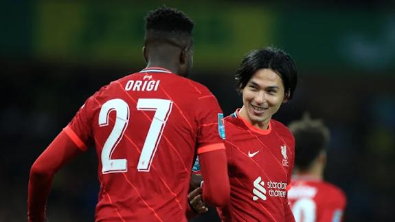 Minamino Jaringkan Dua Gol Menentang Norwich Citu Dalam Carabao Cup