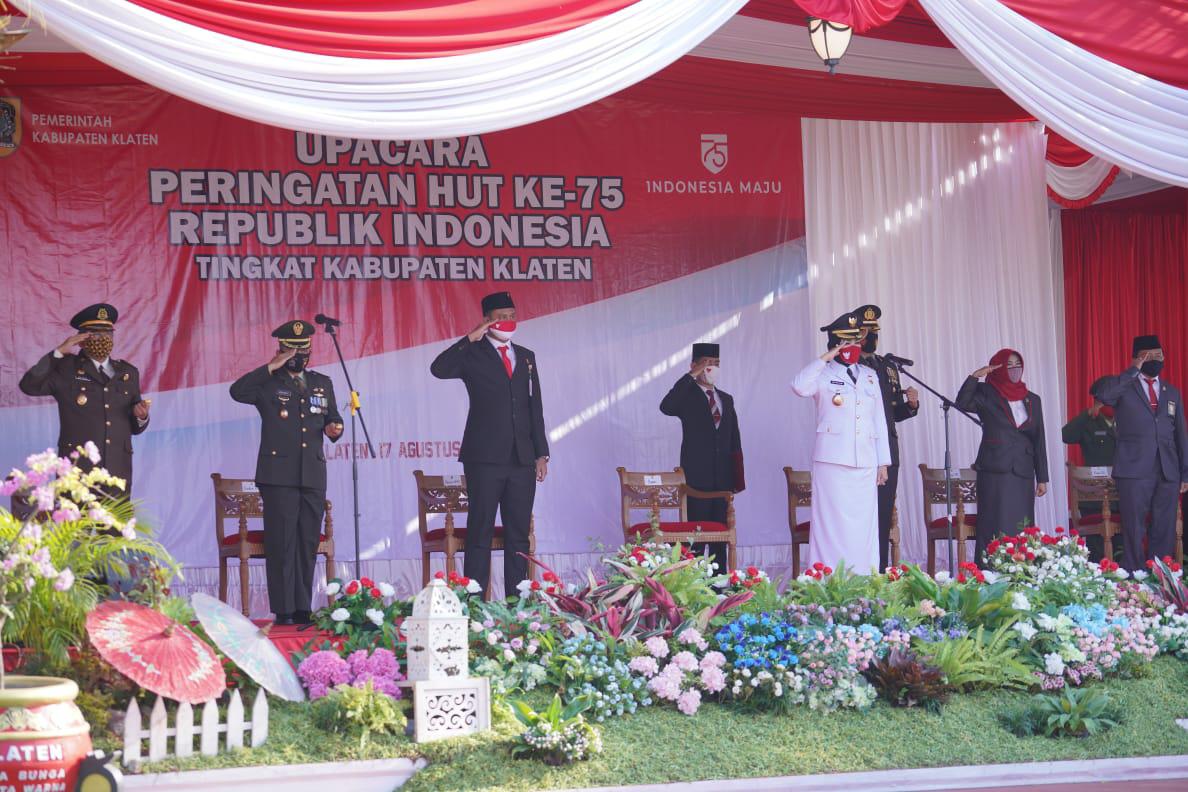 Upacara HUT Kemerdekaan RI Ke-75, Gubernur Ganjar Pranowo: Menghadapi Tantangan Kedepan, Ojo Sambat Ojo Mengeluh