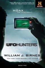 UFO Hunters Book Two - William J Birnes