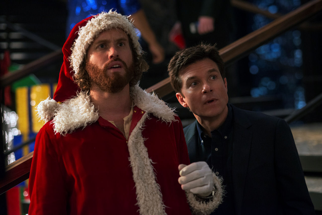 (L-R) T.J. Miller as Clay Vanstone and Jason Bateman as Josh Parker in OFFICE CHRISTMAS PARTY. (Photo by Glen Wilson / courtesy of Paramount Pictures).