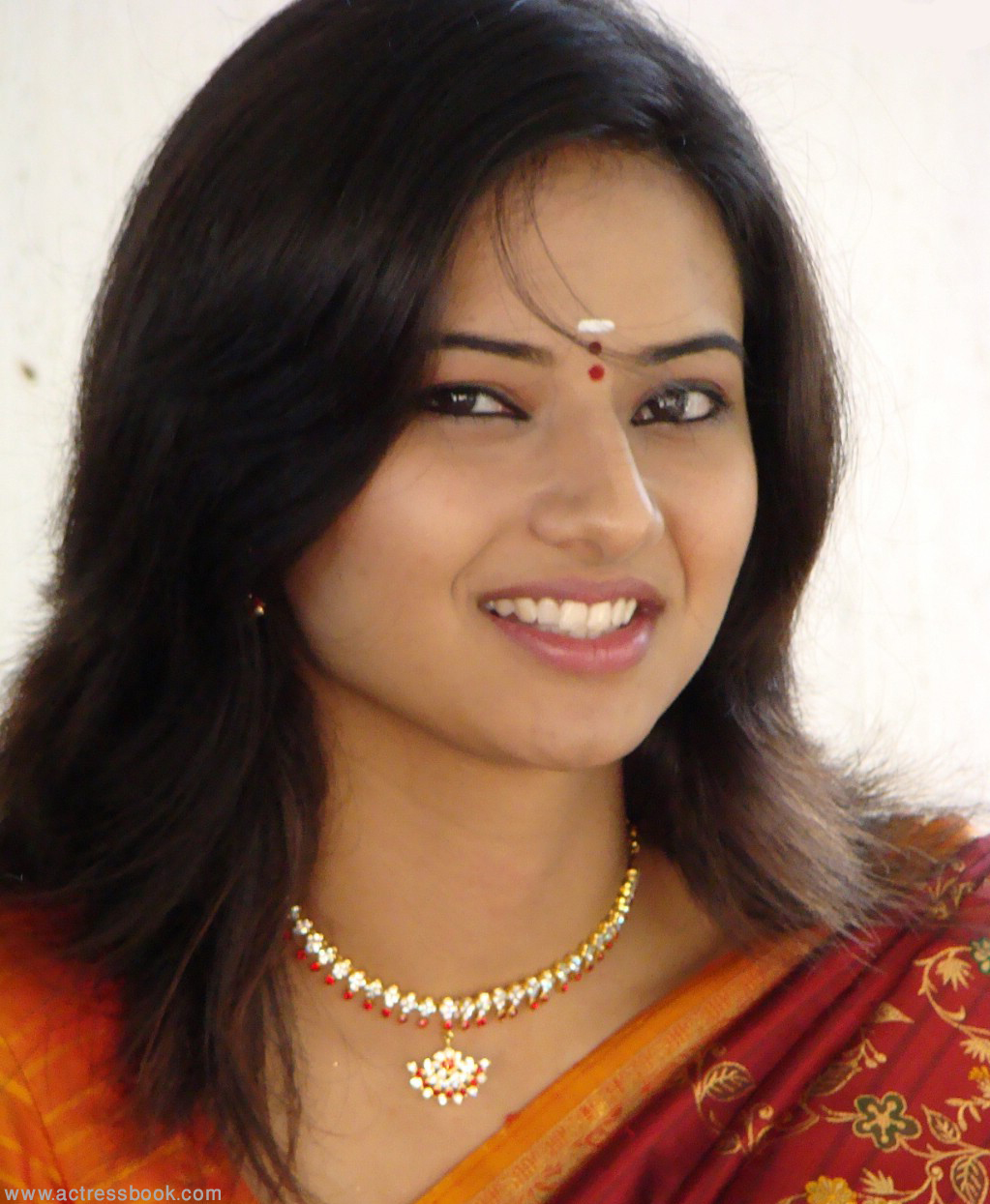 Actress Isha Chawla New Saree Stills