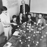 CrossBorder Science: Zometool Giant in the Honor of Daniel Shechtman's Discovery of Quasicrystals