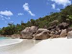 1280px-Seychelles_2010_anselazio.jpg