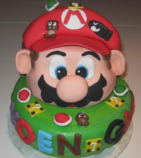 Koen en Gijs Super Mario taart.JPG
