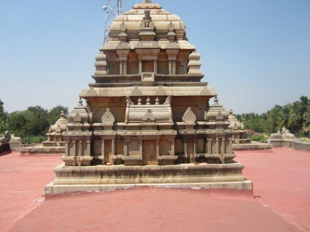 Sri Vasishteshwarar Temple, Thenkudi Thittai, Thanjavur - 275 Shiva Temples