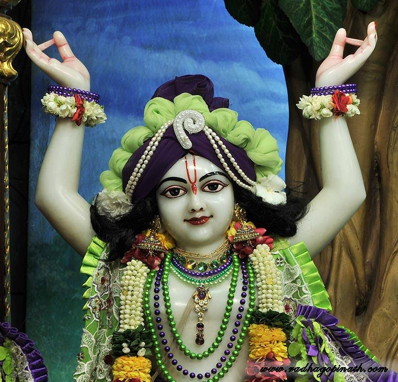 ISKCON Chowpatty Deity Darshan 08 April 2016 (16)