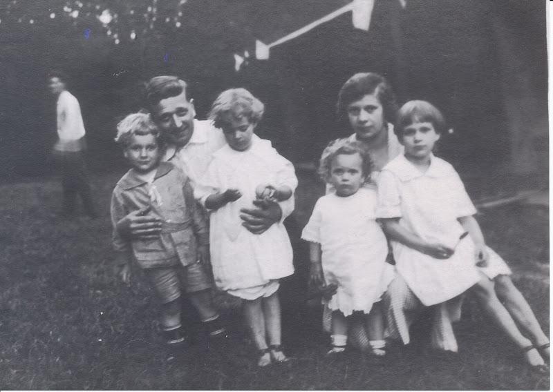 Bob Boekman, Gus, Anne, Ruth, Henrietta, Dorothy