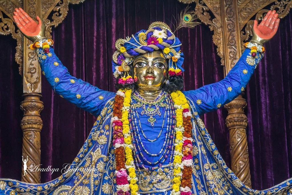 ISKCON Mayapur Deity Darshan 31 Dec 2016 (14)