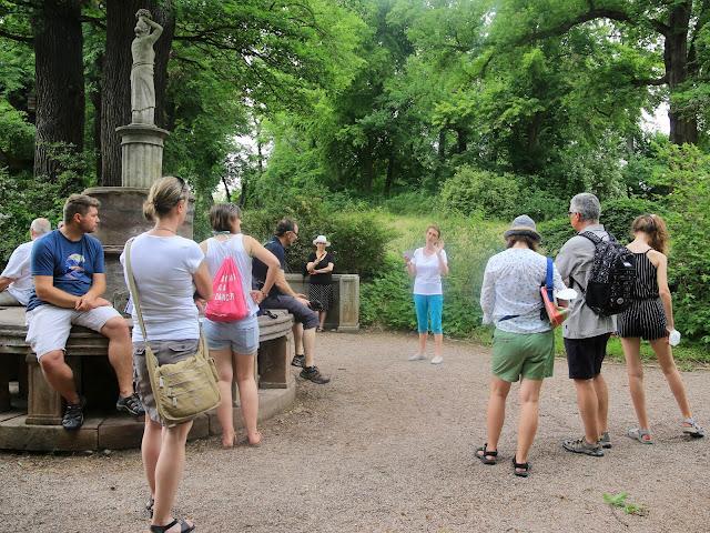 Kräuterwanderung mit Heike Schütz zur Gartenlust Belvedere 2021