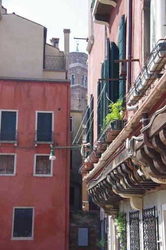Canal dans le centre de Venise.