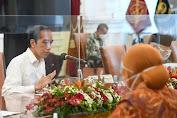 Rapat Terbatas mengenai Persiapan Penyaluran Bantuan Sosial Tahun 2021, 29 Desember 2020, di Istana Merdeka, Provinsi DKI Jakarta