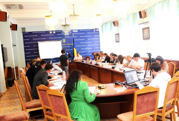 Експертна комісія встановить пороговий бал «склав/не склав» із семи предметів