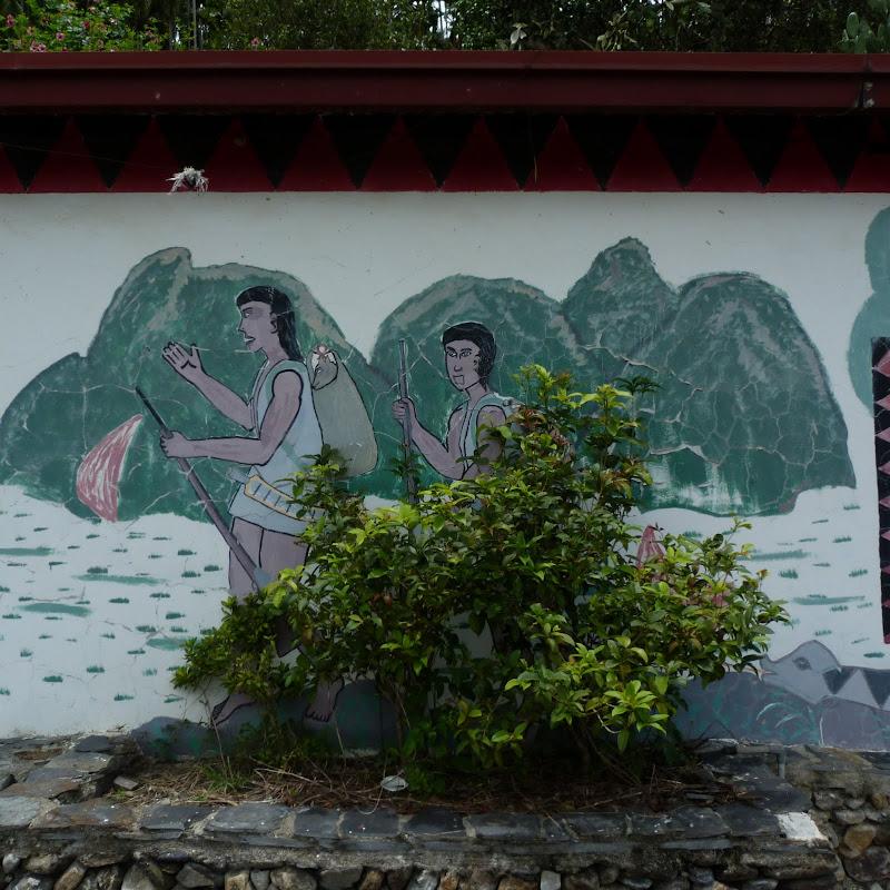 Puli  en passant , entre autres, par les villages de l ethnie Bunum de Loloko et Dili. J 10 - P1160915.JPG