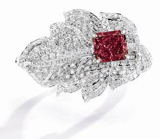 Jewelry News Network Sotheby S Sees Red In Upcoming Hong