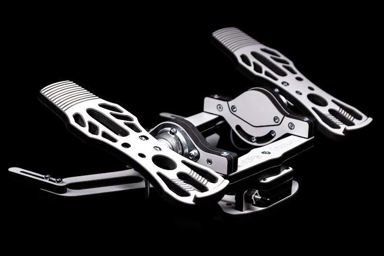 mfg-crosswind-rudder-pedals-4.jpg