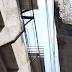 Telhado da arquibancada do estádio Correão ameaça cair