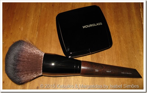 Make Up For Ever e Hourglass