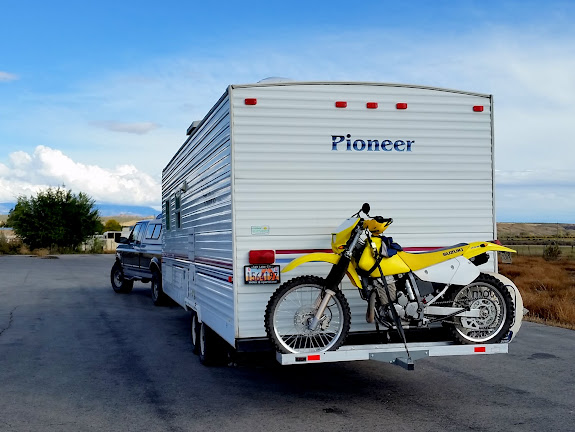 Ready to roll out with the DR-Z250 on the camp trailer