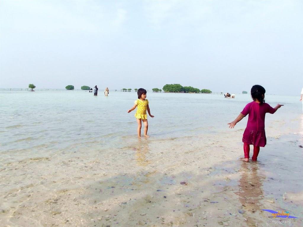 family trip pulau pari 090716 Fuji 166