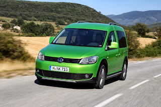 2013-Volkswagen-Cross-Caddy-4