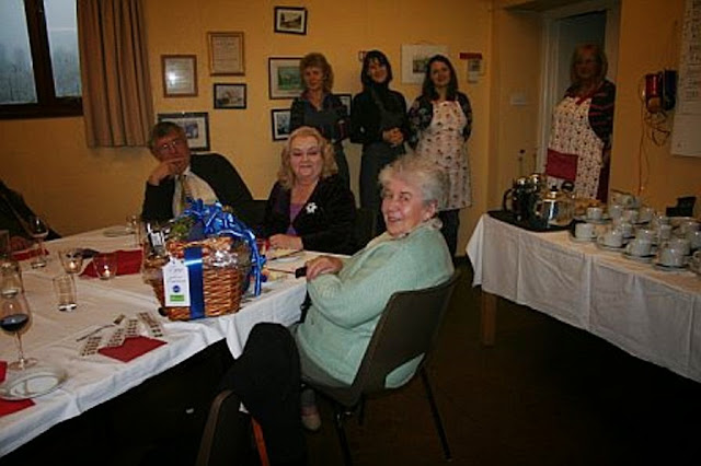 Pensioners Lunch - 11-12-2011 - penlunch%2B%25287%2529.jpg