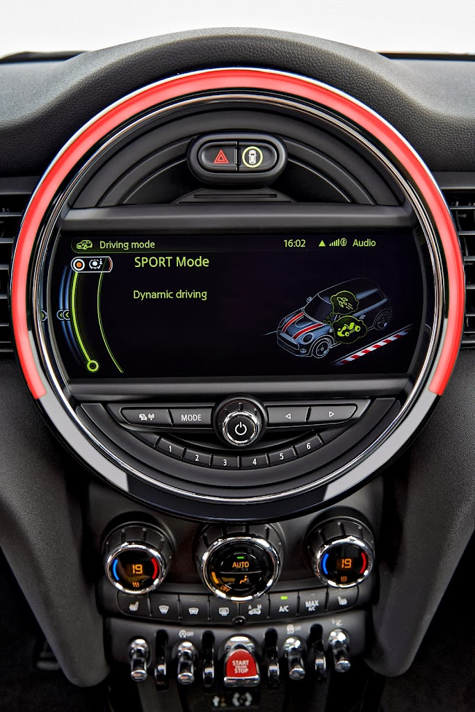 Mini-Cooper-2014-konsol-01