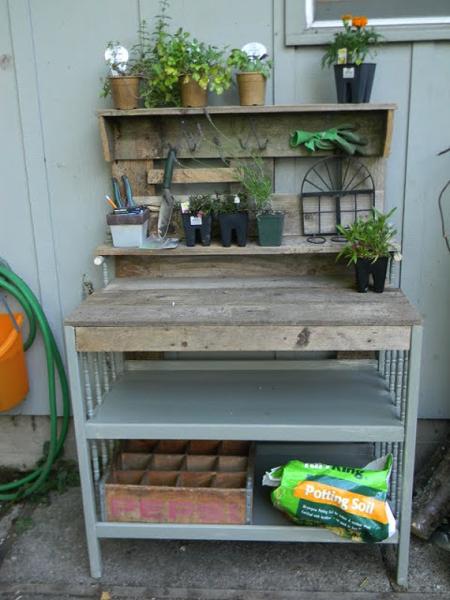 Crib Potting Bench