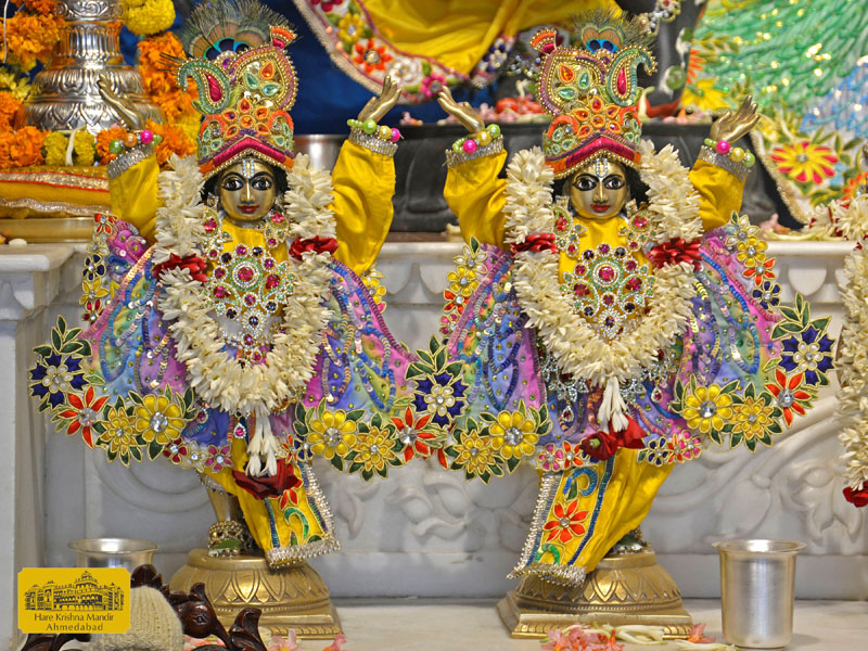 ISKCON Hare Krishna mandir Ahmedabad  05 Jan 2017 (8)