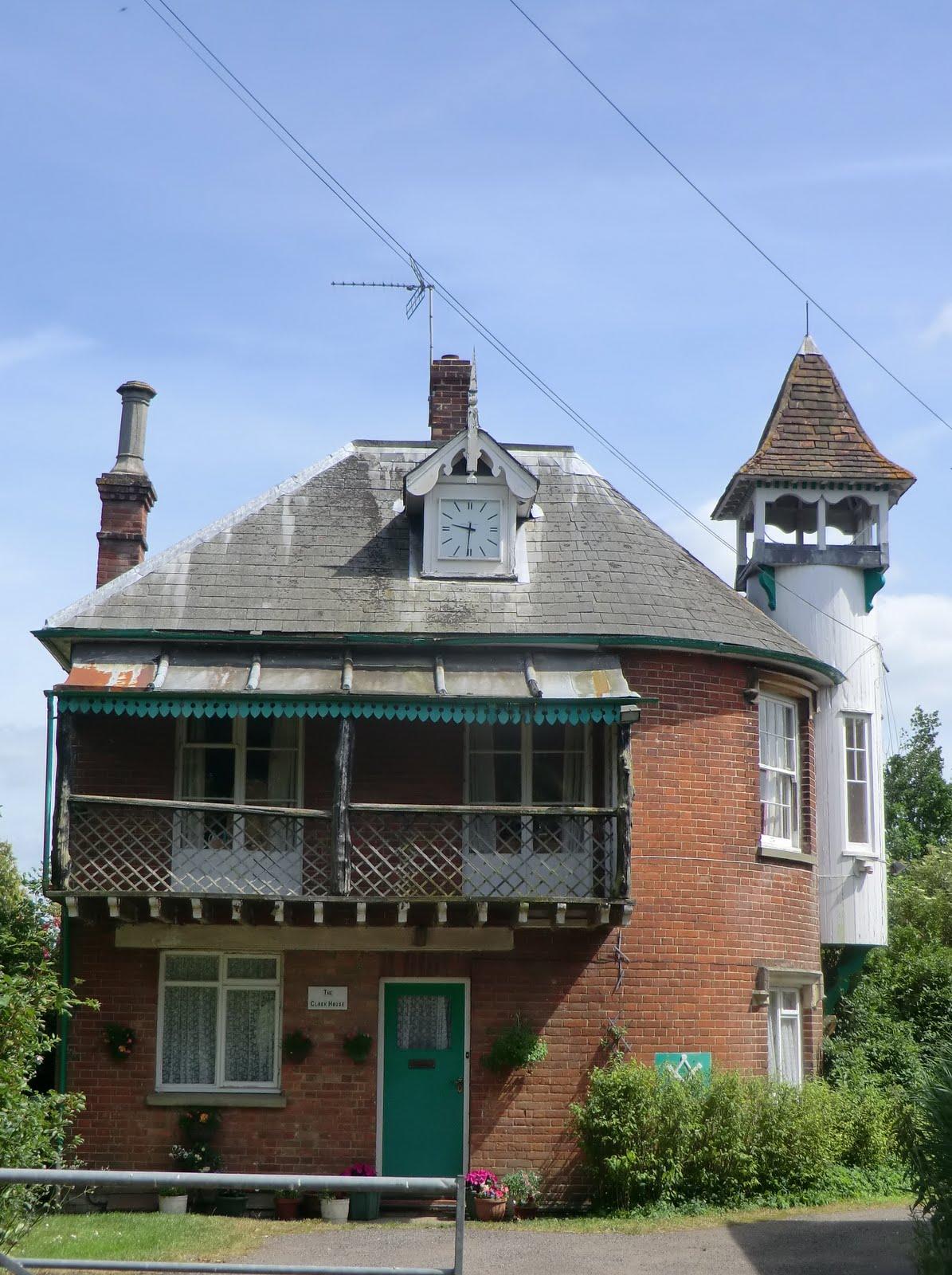 CIMG2097 The Clock House, Five Oak Green