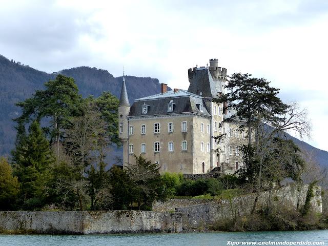 castillo-lago-annecy.JPG