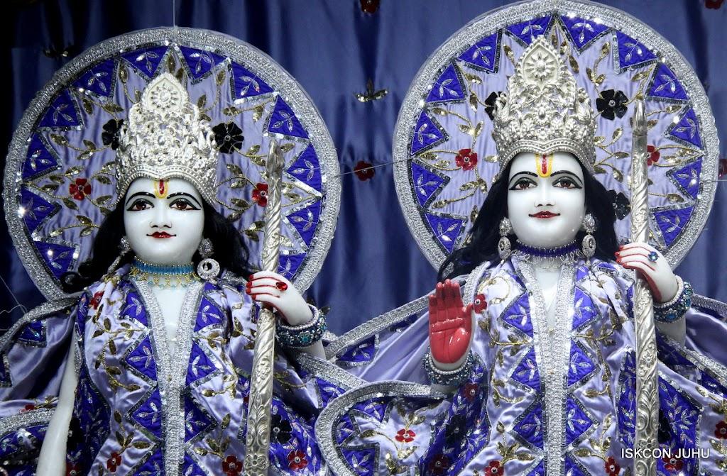 ISKCON Juhu Mangal Deity Darshan on 4th Aug 2016 (14)