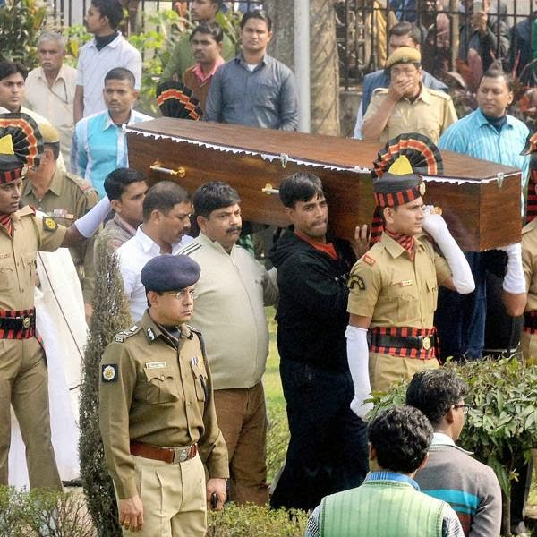 The mortal remains of legendary actress Suchitra Sen is carried during her funeral procession in Kolkata, on January 17, 2014.