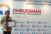 Pemkab Soppeng Terima Penghargaan Ombudsman