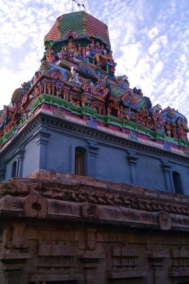 Sri Kalyana Sundareswarar Temple, Thirunallur, Papanasam - 275 Shiva Temples