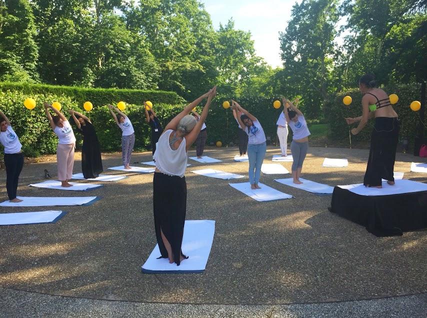 Clase de Yoga a cargo de Bikram Yoga