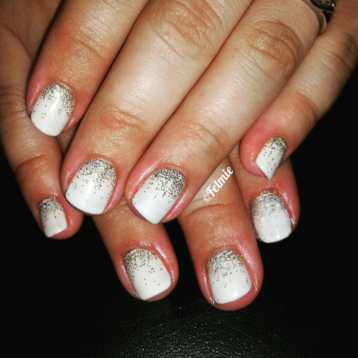 It\'s Holiday NAIL ART Time!! Time to get festive with these holiday ...
