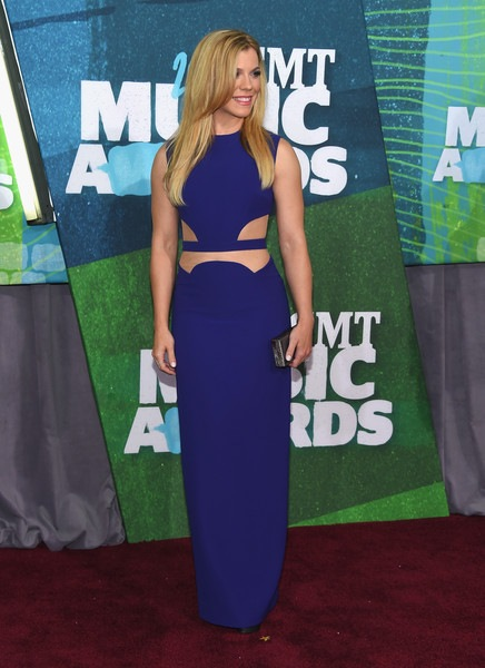 Kimberly Perry attends the 2015 CMT Music awards