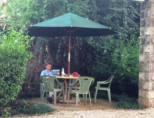 [Amani+Gardens+Bob+reading%5B4%5D]
