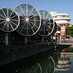 La halle Marcel Proust et le canal du centre-ville