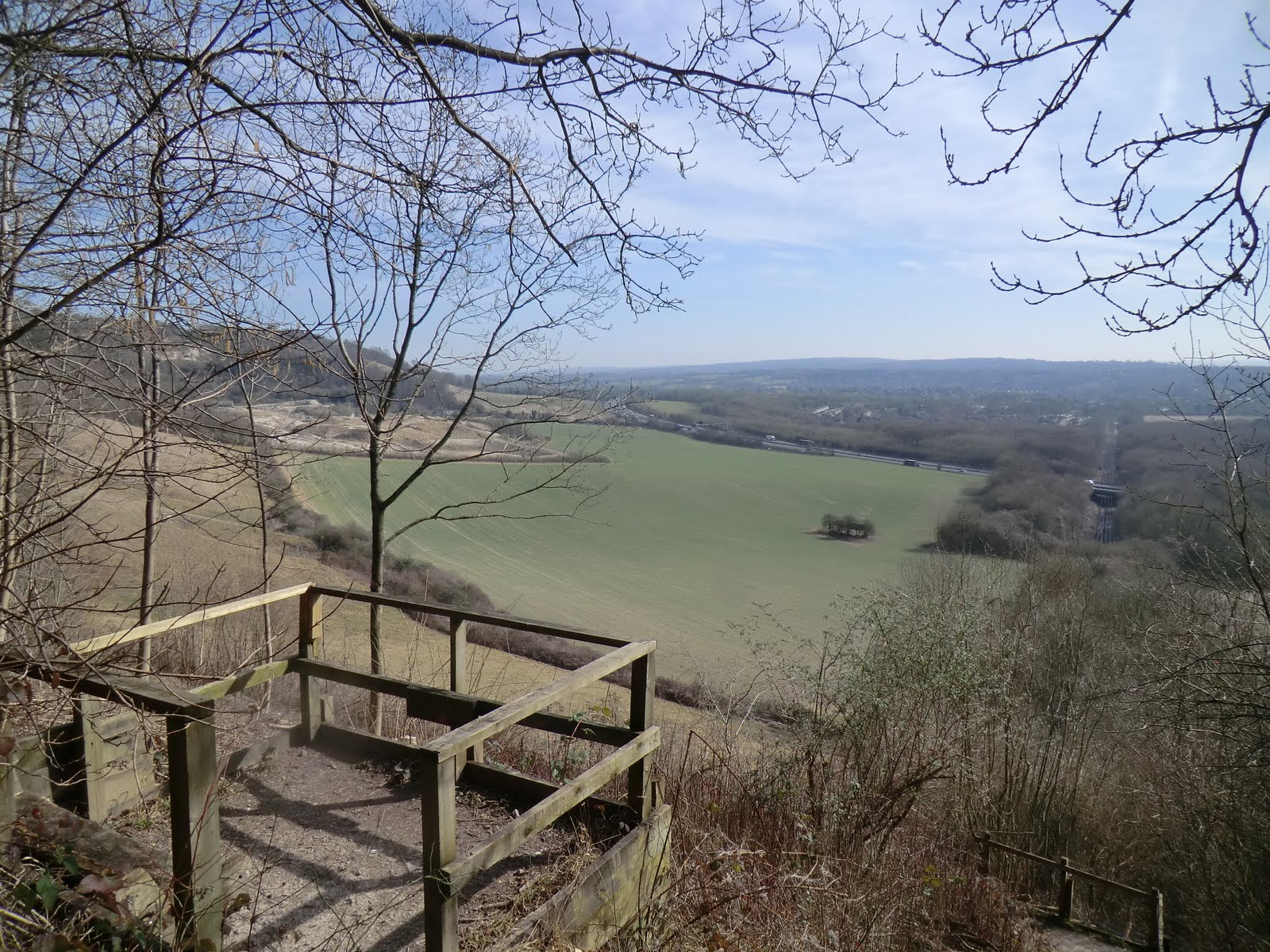 CIMG6991 Viewing platform on the North Downs Way