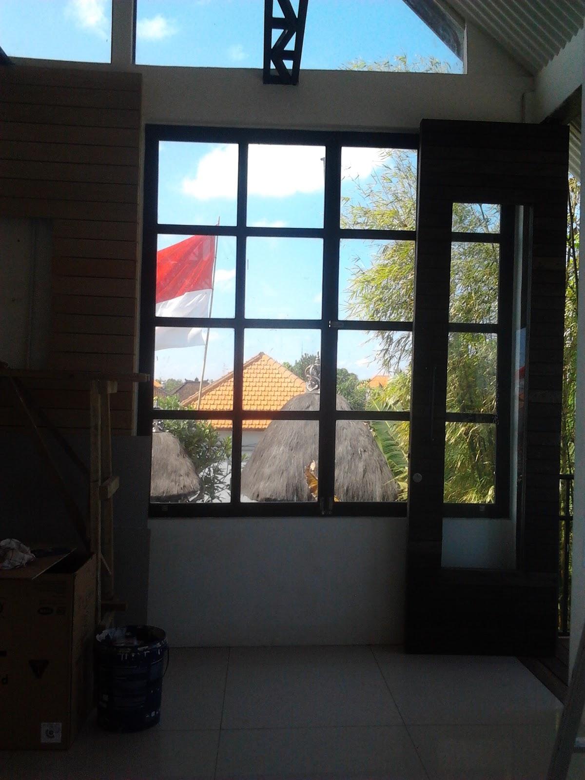 Kusen Pintu Dan Jendela Kaca Dari Hollow