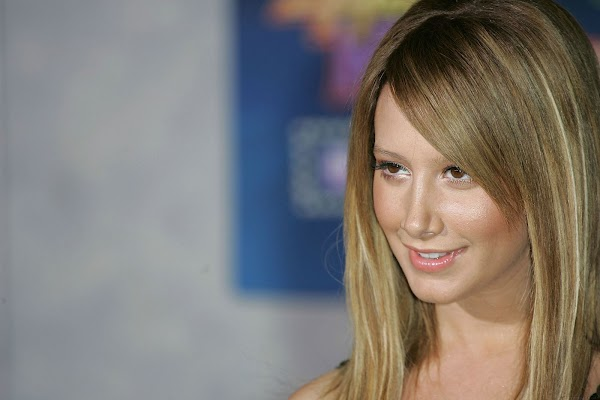 Ashley Tisdale III part 10:picasa