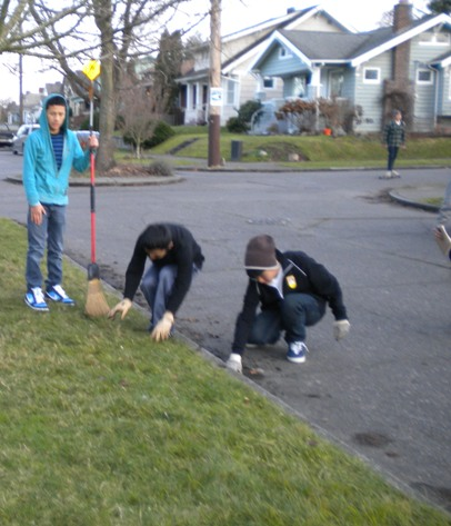 Sunday School - Clean Up Day! - Clean%2BUp%2BDay%2B--%2BDec.%2B19%252C%2B2010%2B022.jpg