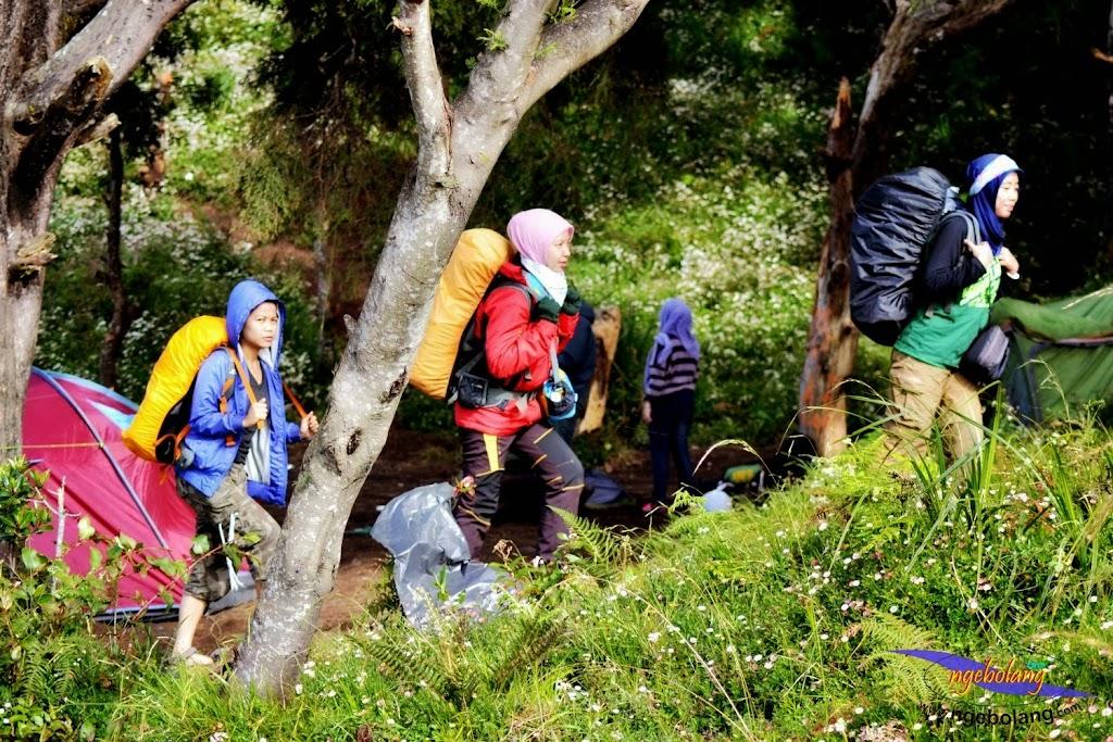 ngebolang gunung prau 13-15-juni-2014 nik 2 080