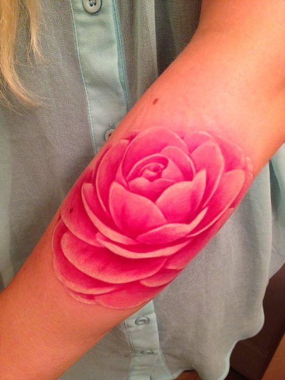 cor-de-rosa_lotus_inferior_do_antebraço_tatuagem