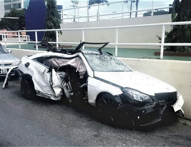 Benz crash