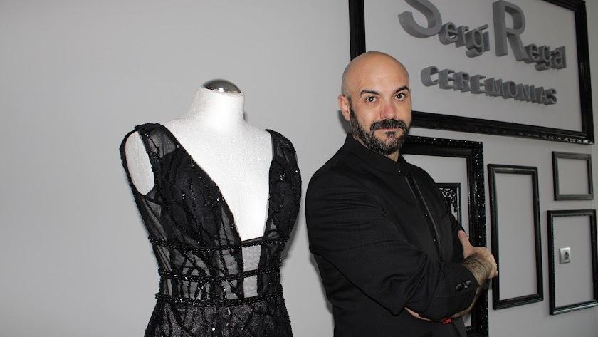 El prestigioso diseñador almeriense Sergi Regal.
