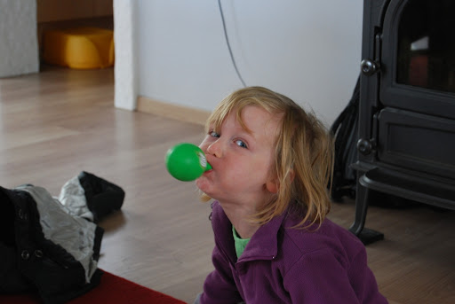 Ballonnen opblazen is moeilijk