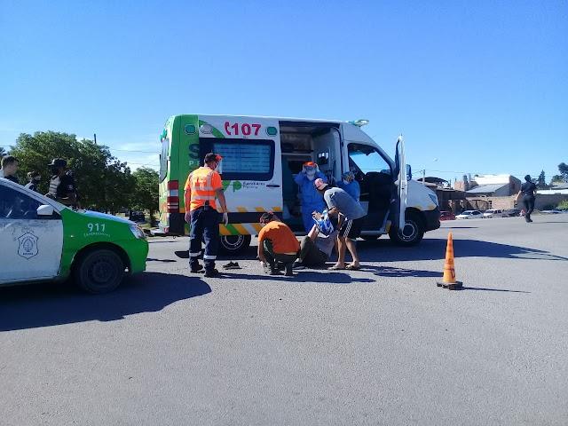 Otro accidente que termina con una motociclista herida en calles Juan Manuel De Rosas y San Lorenzo