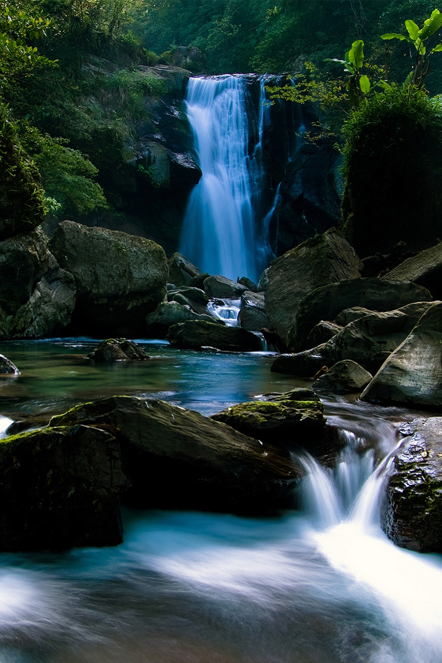 iPhone4 Wallpaper Beautiful Blue Nature Waterfall Picture